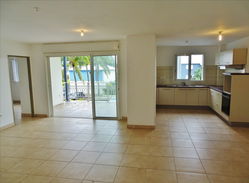 Location appartement Sainte suzanne 850€ CC - Photo 2