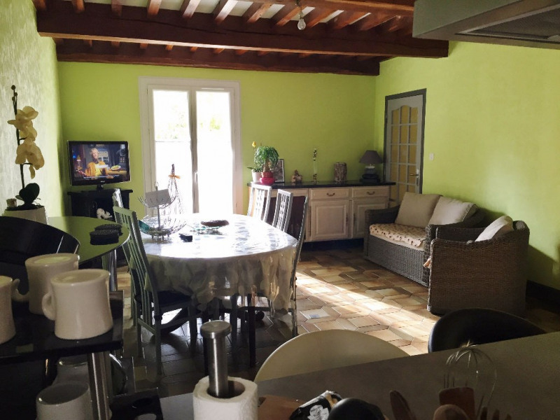 Location maison / villa Sardieu 900€ CC - Photo 4