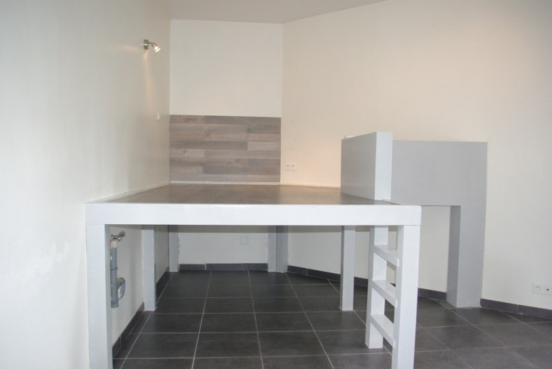 Sale apartment Quimper 65705€ - Picture 3