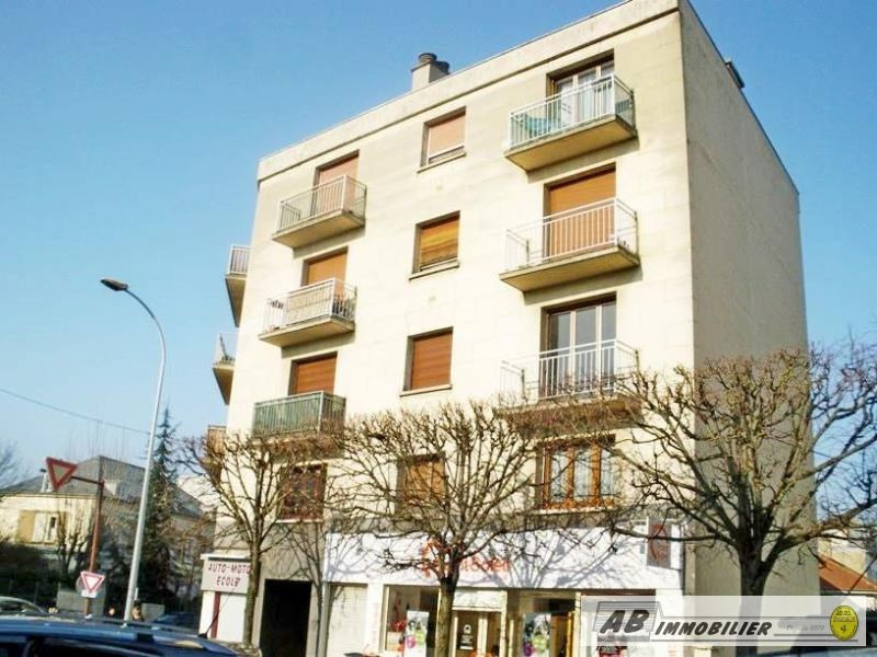 Rental apartment Poissy 820€ CC - Picture 1