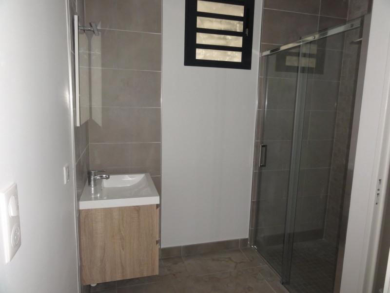 Location appartement Ermitage les bains 611€ CC - Photo 2