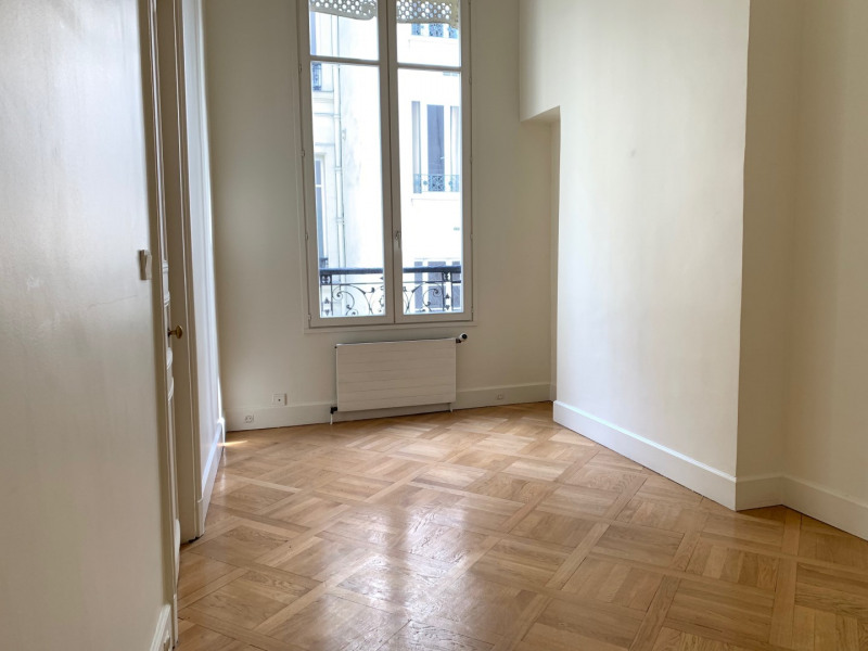 Location appartement Paris 10ème 4 500€ CC - Photo 6