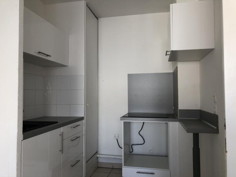 Rental apartment Bourgoin jallieu 590€ CC - Picture 5