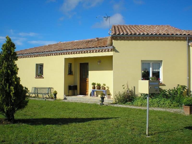 Location maison / villa Lavaur 940€ CC - Photo 1