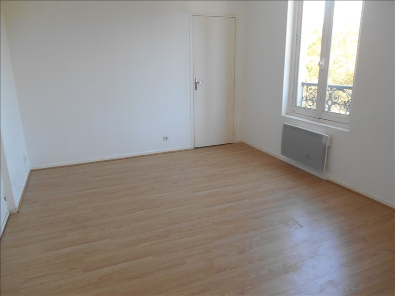 Location appartement Troyes 305€ CC - Photo 2