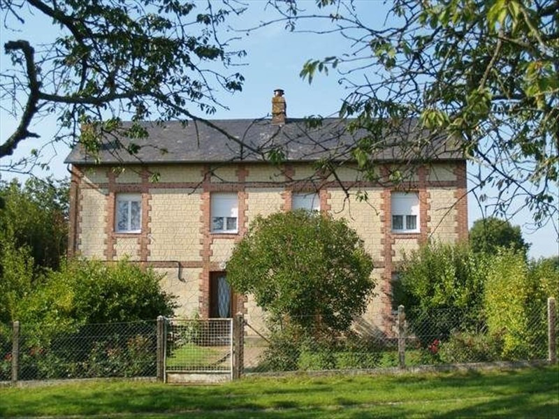 Sale house / villa Quetteville 153700€ - Picture 1
