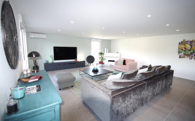 Deluxe sale apartment Brindas 565000€ - Picture 4