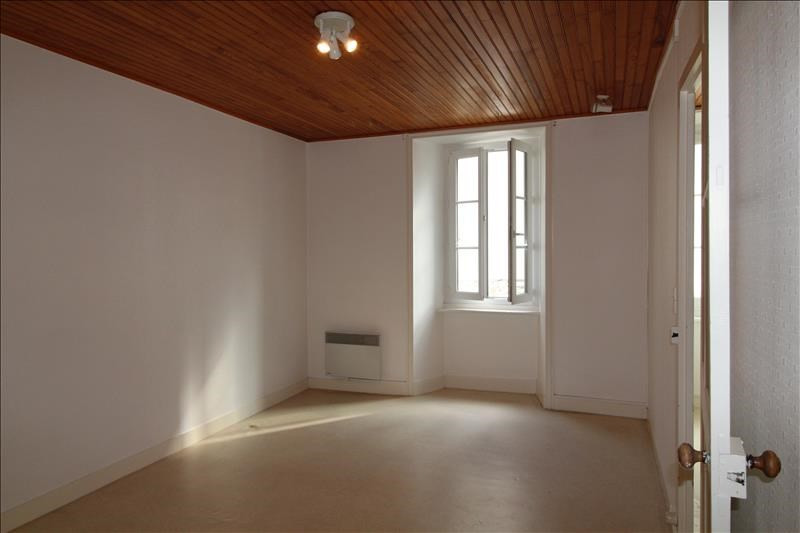 Location appartement Le palais 515€ +CH - Photo 1