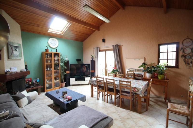 Sale house / villa Nanteuil les meaux 250000€ - Picture 2