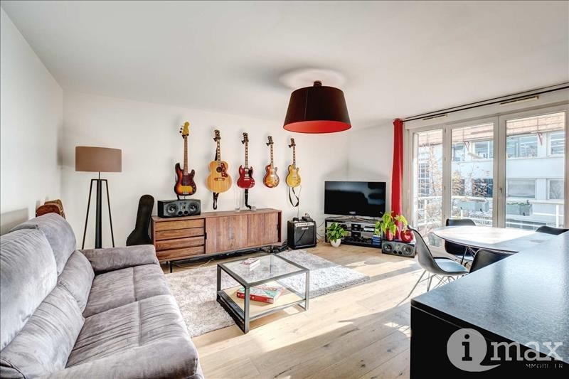 Sale apartment Courbevoie 379 000€ - Picture 1