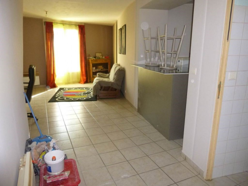 Location appartement Entraigues sur la sorgue 490€ CC - Photo 8