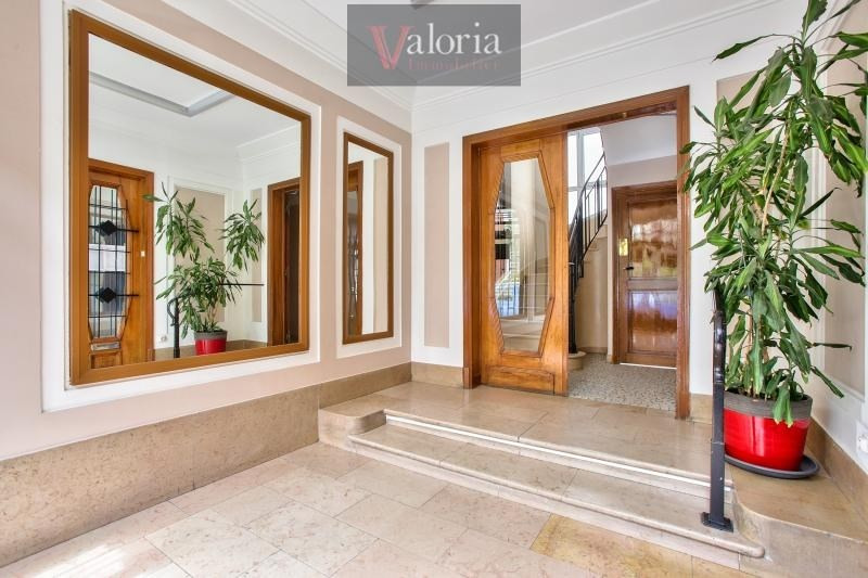 Sale apartment Courbevoie 338000€ - Picture 8