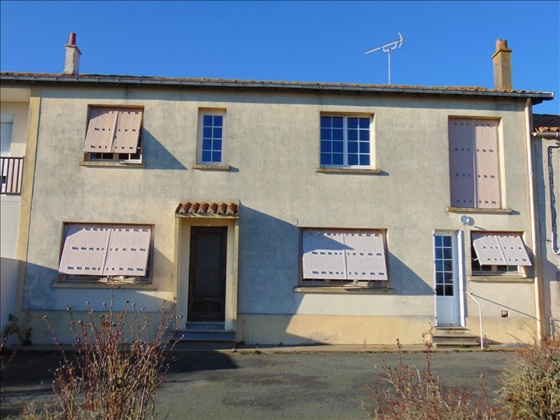 Vente maison / villa St pierre des echaubrognes 59990€ - Photo 1