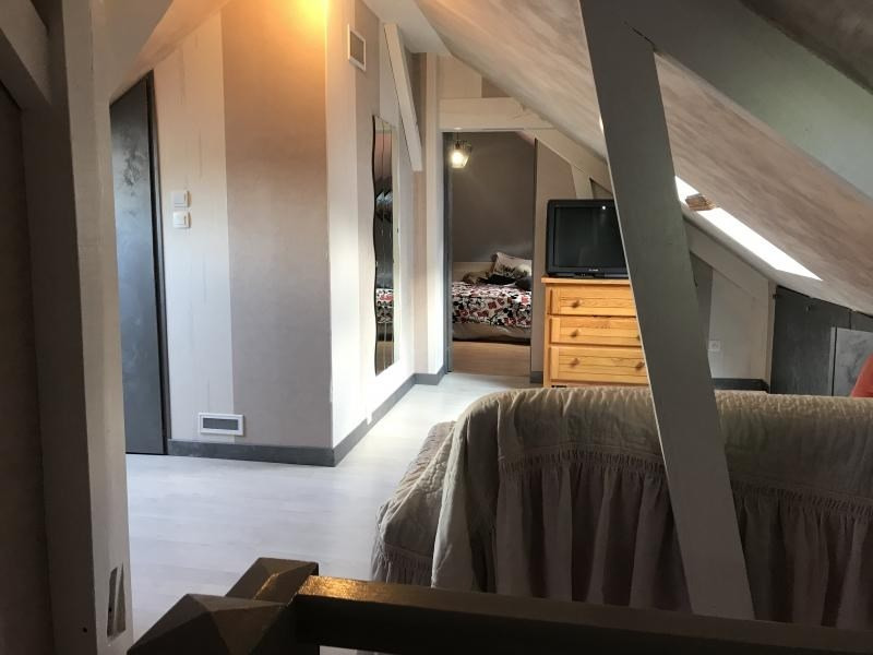 Investment property house / villa Fontaine le comte 239000€ - Picture 6
