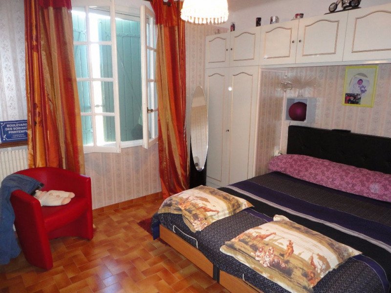 Sale house / villa Althen des paluds 395200€ - Picture 8