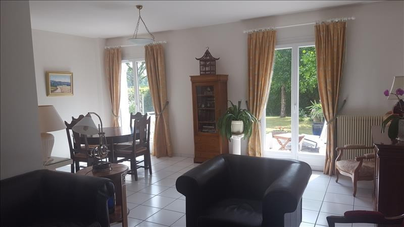 Sale house / villa Montfort-l'amaury 425 000€ - Picture 4