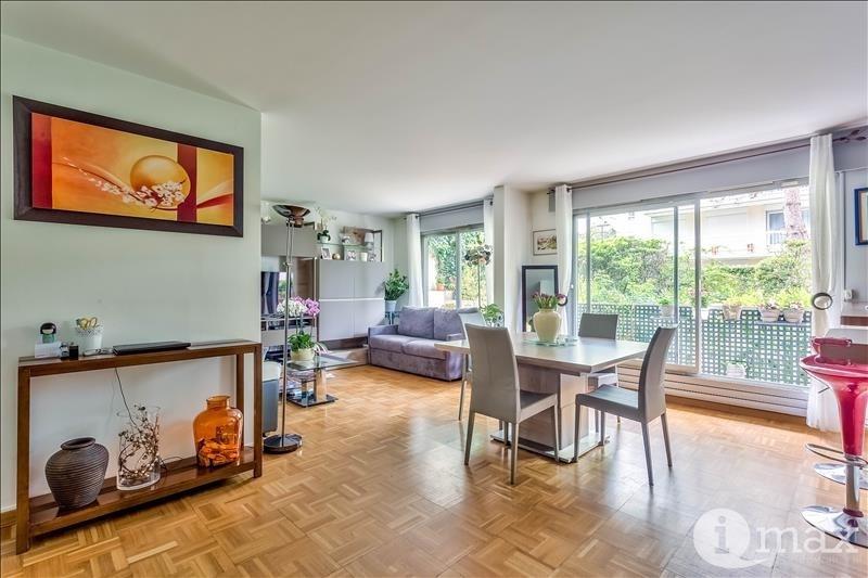 Sale apartment Courbevoie 700000€ - Picture 2