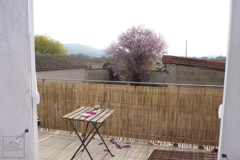 Location appartement Quincieux 735€ CC - Photo 2