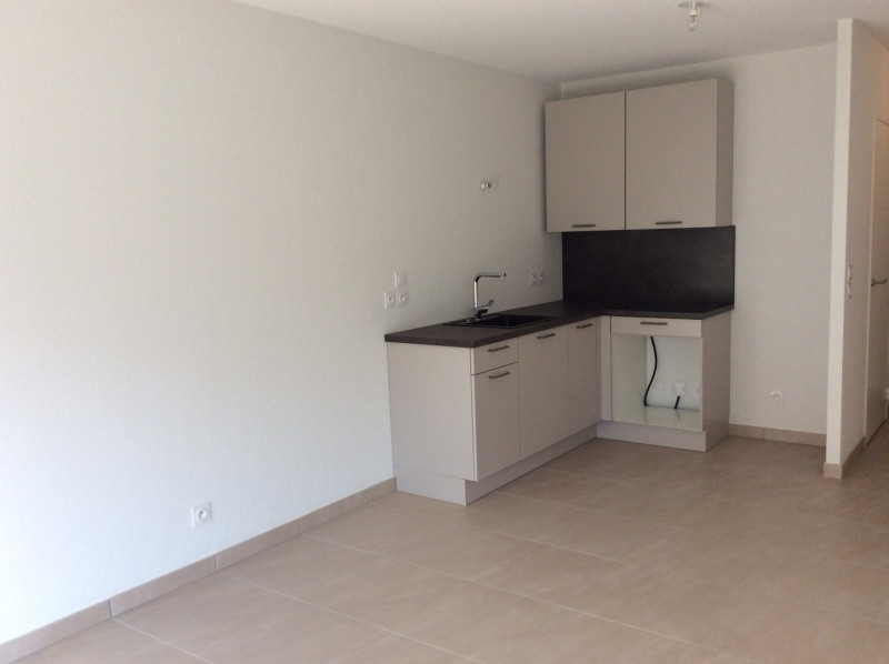 Location appartement Fréjus 793€ CC - Photo 3