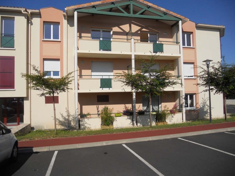 Location appartement Niort 572€ CC - Photo 1