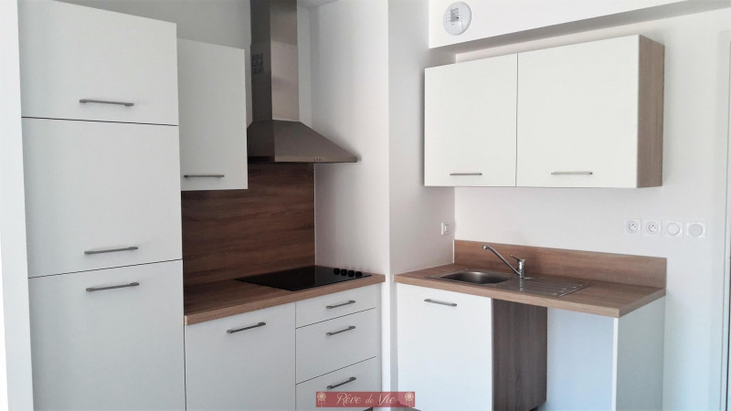 Sale apartment Bormes les mimosas 220000€ - Picture 4