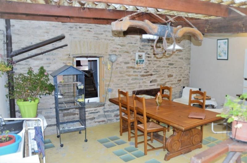Sale house / villa St yrieix la perche 64 000€ - Picture 2