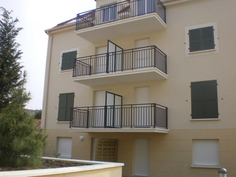Location appartement Montlhery 616€ CC - Photo 1