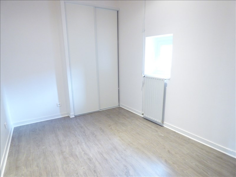 Location appartement Le puy en velay 596,79€ CC - Photo 8