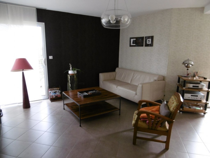 Sale house / villa Yvre l eveque 343 200€ - Picture 2