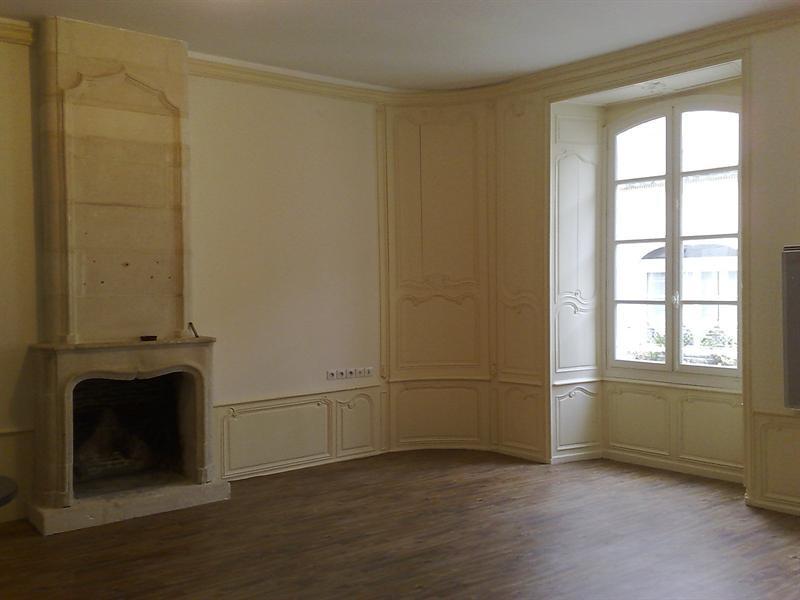 Rental apartment Saintes 579€ CC - Picture 1