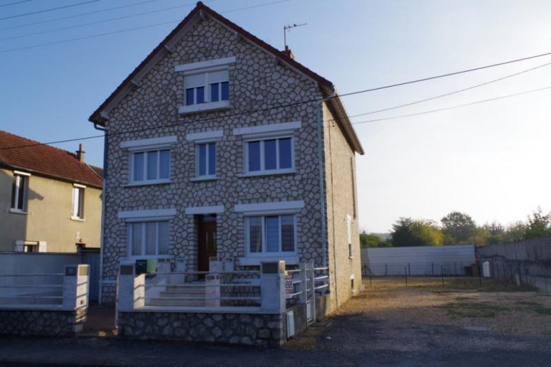 Sale house / villa Montargis 159000€ - Picture 1