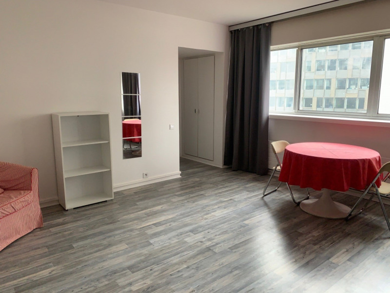 Location appartement Paris 15ème 1 215€ CC - Photo 4