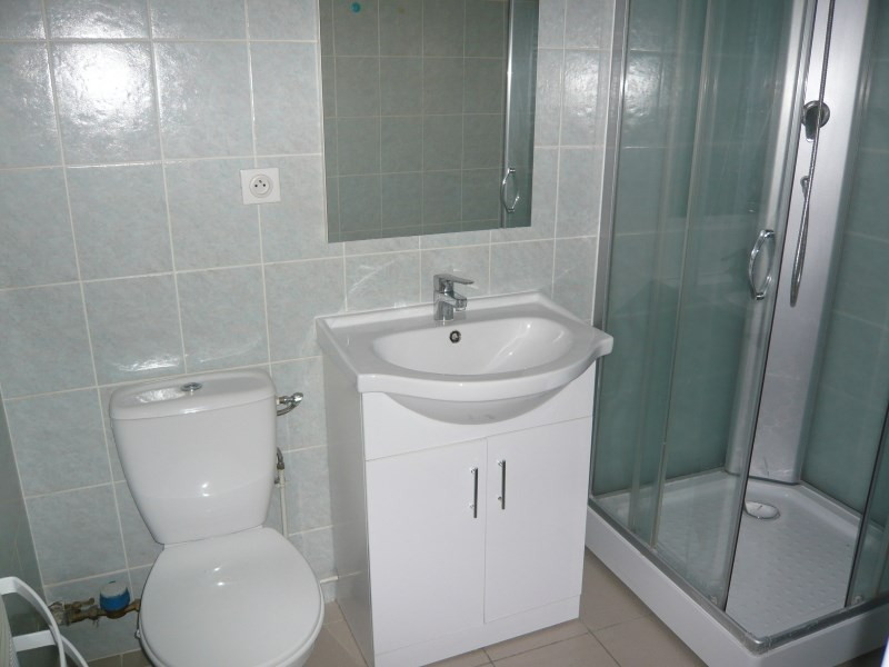 Location appartement Bourgoin jallieu 389€ CC - Photo 3