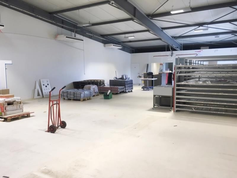Rental empty room/storage Fougeres 1100€ HT/HC - Picture 3