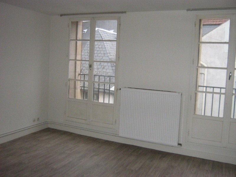 Rental apartment Nevers 230€ CC - Picture 1