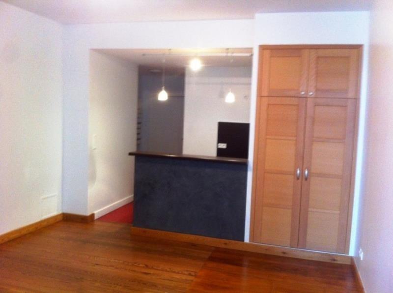 Rental apartment Condrieu 510€ CC - Picture 1