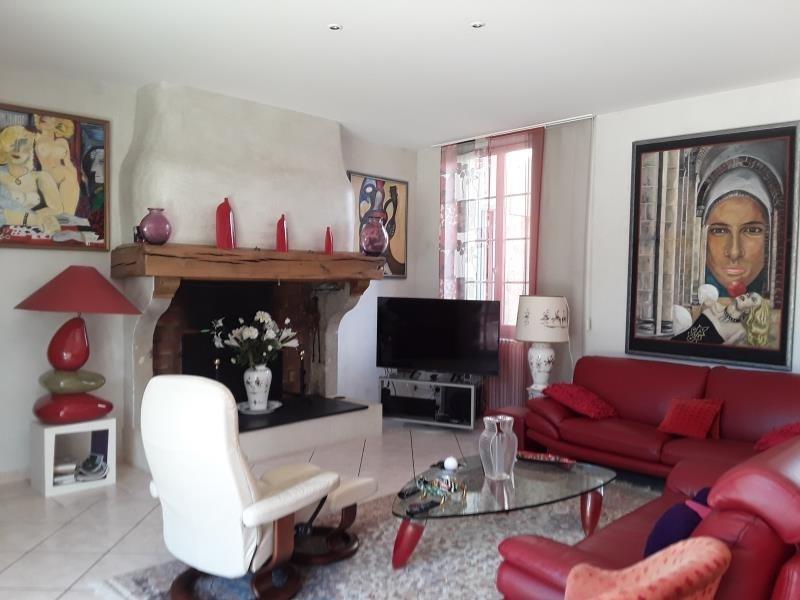 Revenda residencial de prestígio casa Bazas 680600€ - Fotografia 4