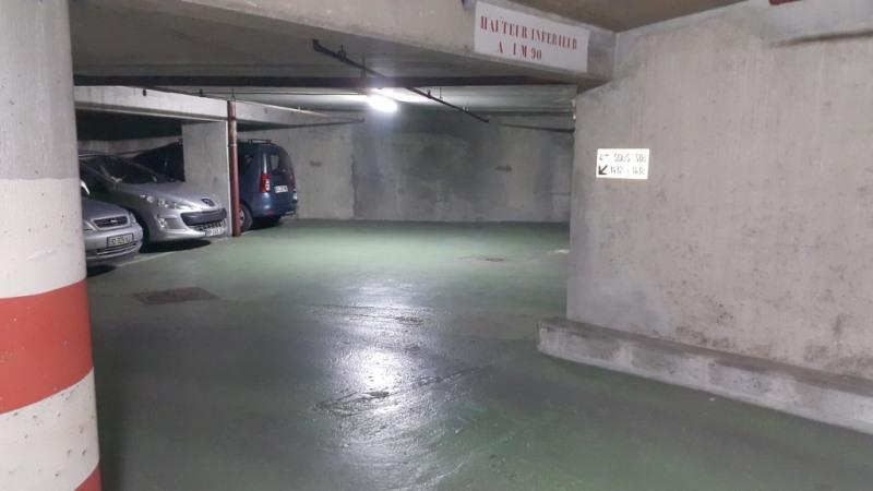Rental parking spaces Paris 15ème 100€ CC - Picture 3