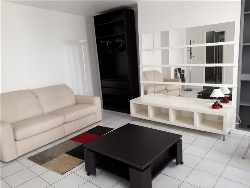 Rental apartment Paris 2ème 960€ CC - Picture 1