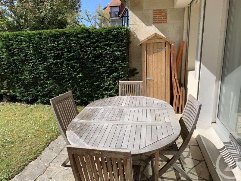 Verkoop  appartement Deauville 299000€ - Foto 12