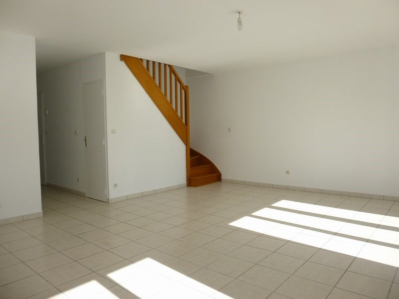 Location maison / villa Grentheville 762€ CC - Photo 5