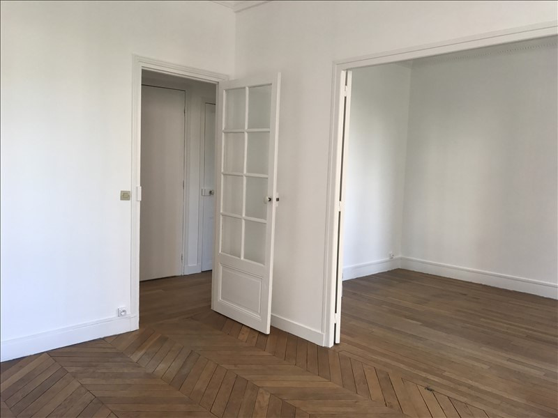 Locação apartamento Paris 15ème 1614€ CC - Fotografia 7