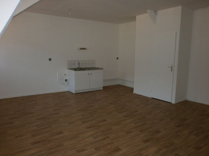Rental apartment St omer 514€ CC - Picture 2