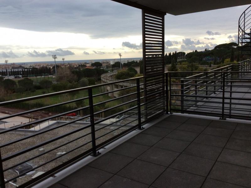 Location appartement Fréjus 1105€ CC - Photo 1