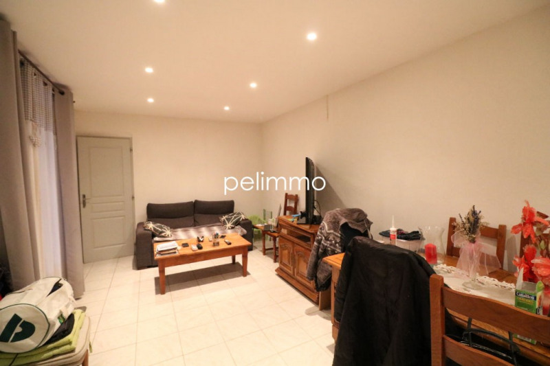 Location appartement Lancon provence 721€ CC - Photo 2
