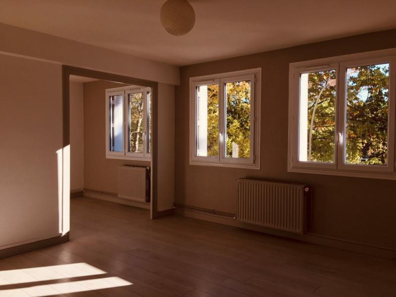Sale apartment Pau 102000€ - Picture 1
