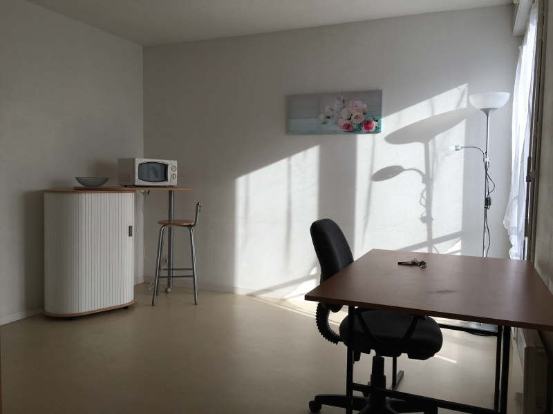 Rental apartment Poitiers 354€ CC - Picture 2