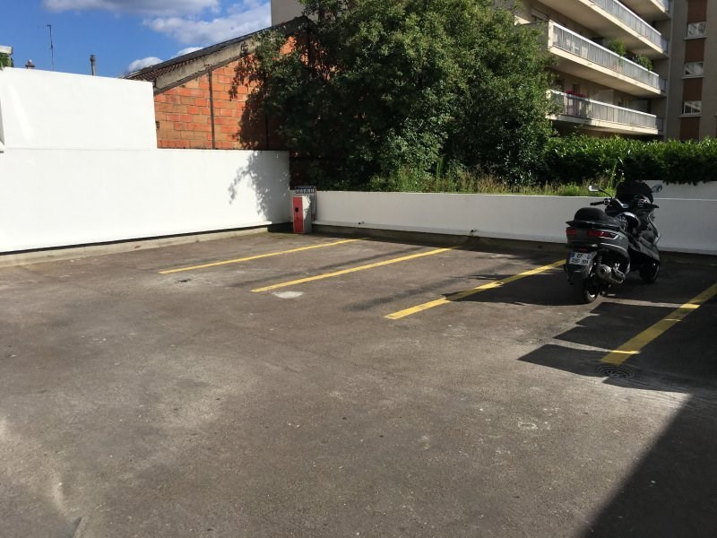 Sale parking spaces Montreuil 11 000€ - Picture 1