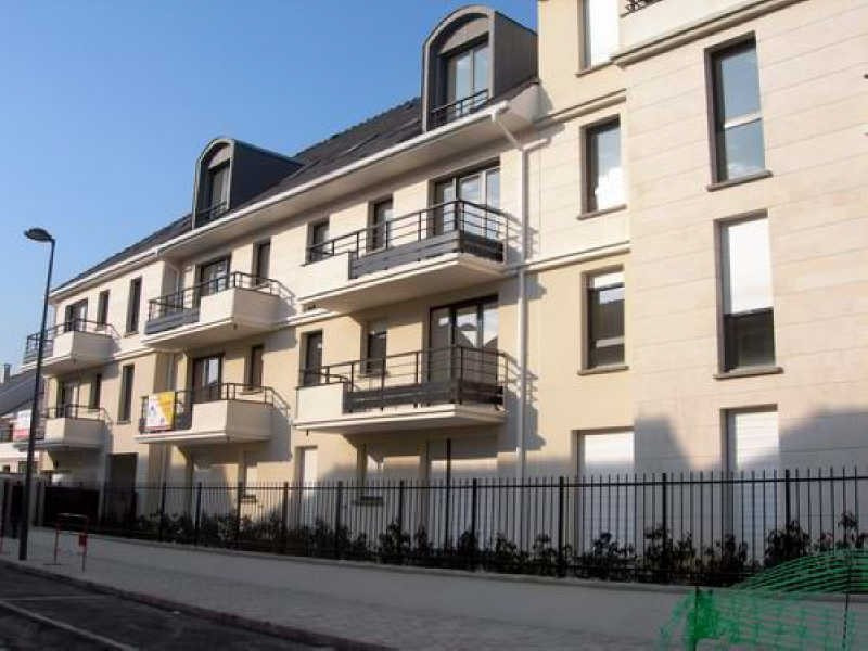 Rental apartment Montigny le bretonneux 870€ CC - Picture 1