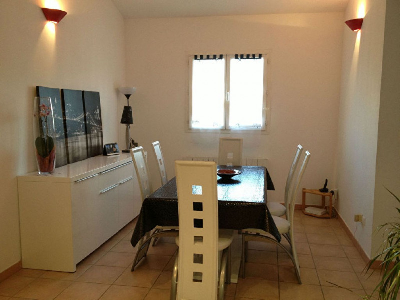 Rental apartment Meyrargues 780€ CC - Picture 4